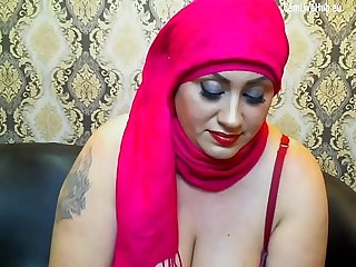 Arabic milf chubby waitin for cock one