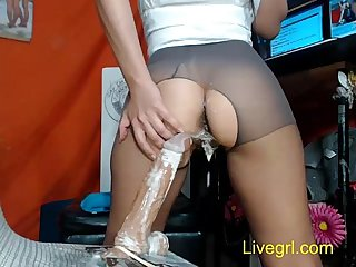 Milf S dildo can cum in her twat