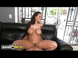 BANGBROS - Sean Lawless Takes Busty MILF Lisa Ann For A Ride!
