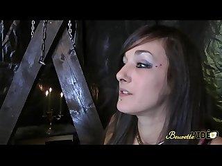 Maitresse Samia aime fister soumise Katia