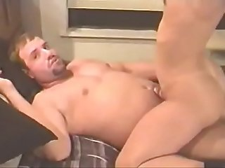 Amador comendo A gostosa e maridinho corno filmando sexhardfree com
