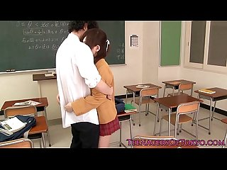Ultracute japanese schoolgirl sucking dick