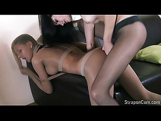 StraponCum: Addicted to pantyhose fetish