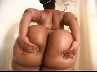 BIG JUICY ASSES on MP4