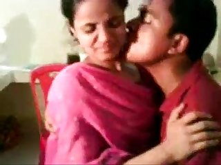 Amateur indian nisha enjoying with her boss free live sex www goo gl sqkikh