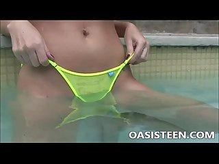 Sophie dee masturbating in the pool