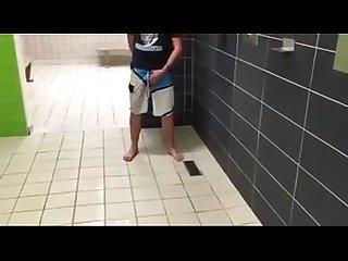 Bareback no banheiro