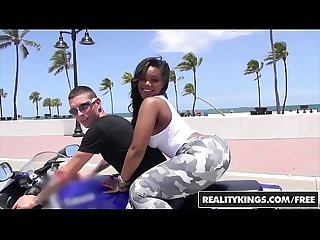 Realitykings round and brown lpar nina rotti comma tyler steel rpar bottoms up