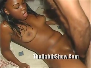 Ex dominican Beauty Queen Caugth on tape