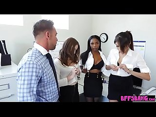 Three Teen assistants satisfy their boss in The office