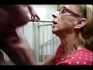 Grandma from epikgranny com gives great blowjob