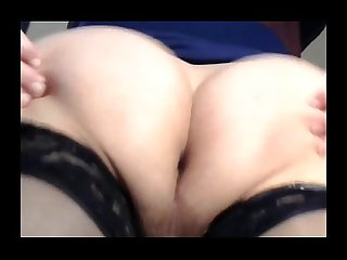 bigass tranny shaking her fat sloshing ass cheeks