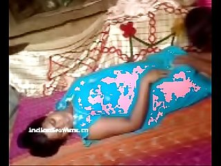 Indian porn Desi shy bhabhi having mast ti new