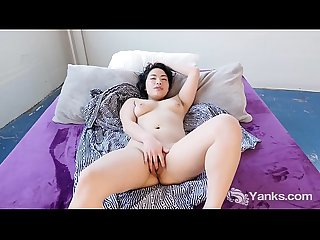 Yanks Asian Hope Gold Masturbates