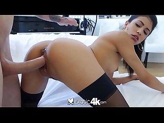 Exotic4K - Morena latina mamando e sendo rasgada pelo brancao