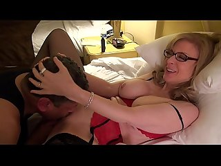 Nina Hartley gives Art Of Cunt Lick lesson at Exxxotica-FULL vid now on RED
