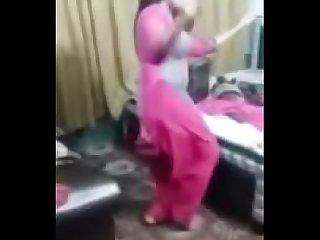 Sexy punjaban dancing