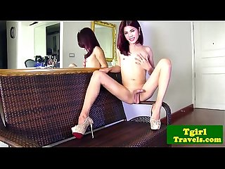 Glamour ladyboy ning plays with asscrack