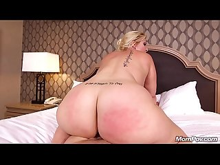Thick White Girl Milf Sucks, Squirts, Gets Fucking Shagged by Mom Pov