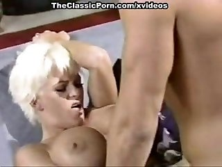 Amber lynn j R carrington holly body in classic fuck clip