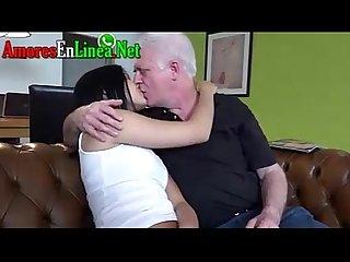 Culito adolescente es violado por viejo