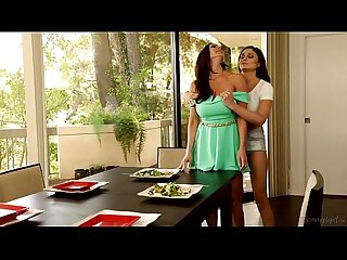 Mommy and Daughter Almost Caught - Ariana Marie and Kendra Lust