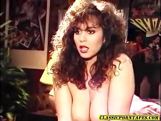 Sexy 80 S porn chick kinky 3some