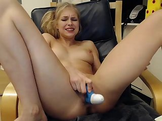 Girls4cock com siswet19 playing on live webcam