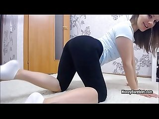 Miss Honey Barefeet shows her long feet and perfect ass