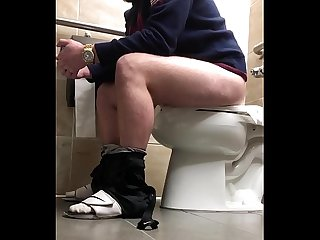 Juicy College Guy Shitting