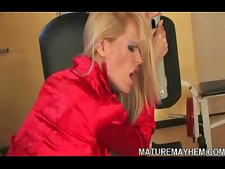 Mature bitch force office slut to eat her pussy