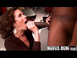 Dirty slut (Veronica Avluv) needs some BBC - MOFOS