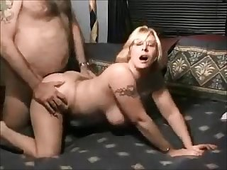 Chubby wife gets fucked on homemade sextape