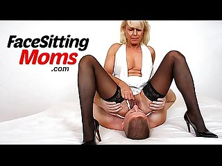 Euro milf dita face sitting and pussy eating