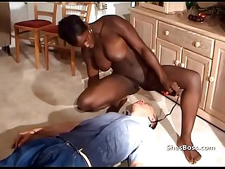 Stong ebony woman dominates white guy with her pussy
