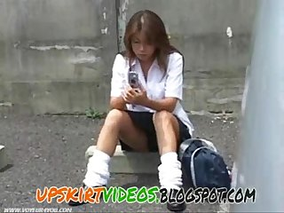 Japanese school girl Upskirt pubic hairy