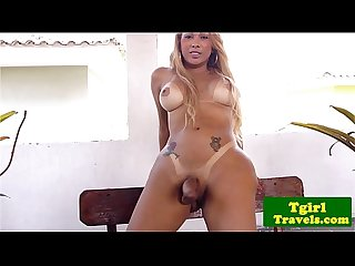 Latin tgirl Stephany Castro outdoor wank