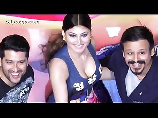 Indian hot urvashi rautela deep cleavage show during movie release function wowmoyback
