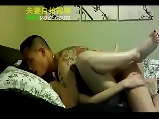 [home made]girl is forced by robber女大学�??被混混强奸