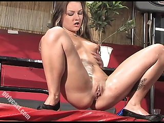 Amateur squirt extrem behind the scenes