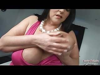 Carol brown melons play dildo fuck