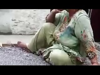 Desi Hot Pakistani Aunty Weed Smoking