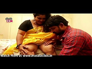 Chubby telugu aunty hot panty visible in seduction scene