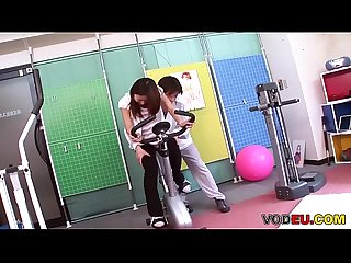 Vodeu petite asian babe gets fucked by the trainer