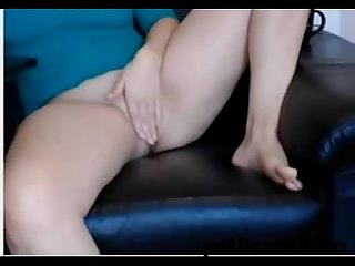 Pawg camgirl toying pussy
