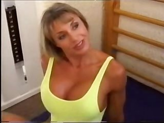 Sexy bodybuilding mature women fuck