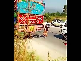 Paki aunty naked on express highway kicking cars