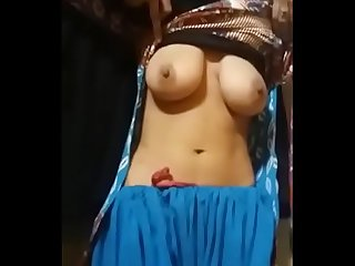 Mature aunty showing big boobs