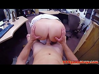 Pawnshop amateur facialized after riding
