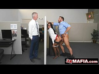 Insanely Hot Bosses Daughter Aubrey Rose Fucks Her Dad\'s Employees